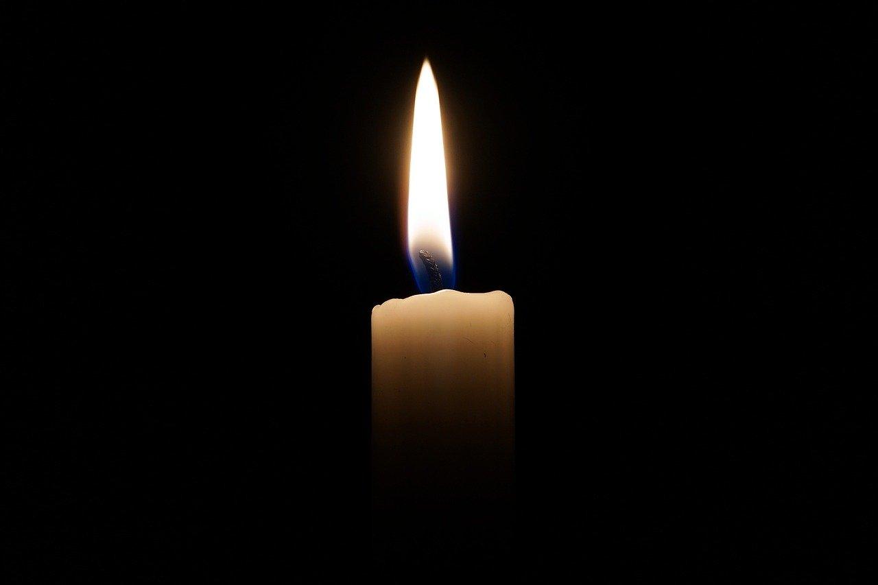 Pixabay-candle-2038736_1280
